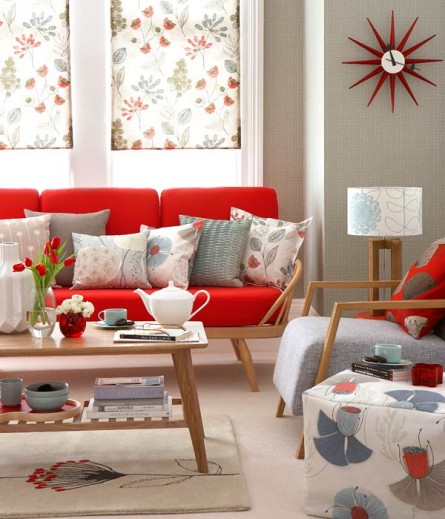 Floral Design in Retro Living Room