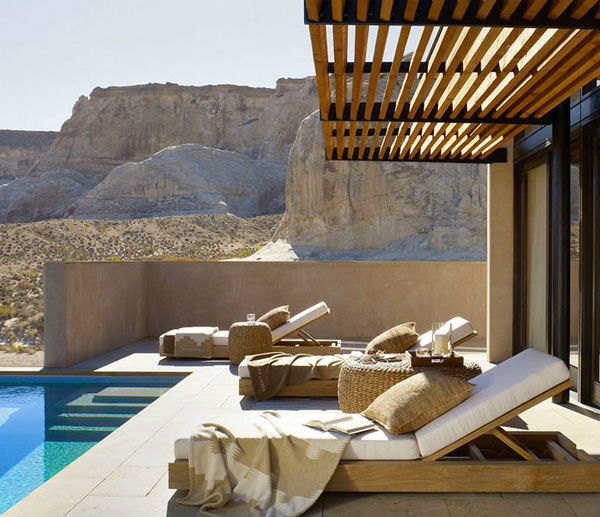 outdoor-patio-modern-chaise-lounges.jpg