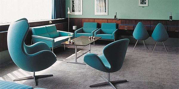 radisson-blu-hotel-arne-jacobsen-egg-swan-chairs-lounge.jpg