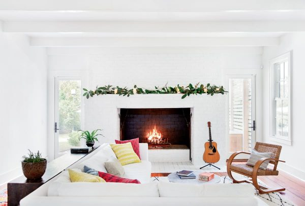 Discover 3 Minimalist Christmas Decor Ideas