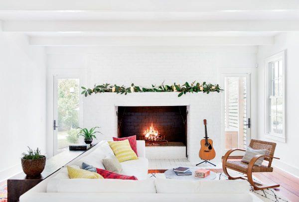 Discover 3 Minimalist Christmas Decor Ideas