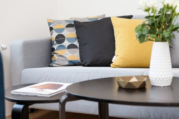 SHOPPING CHECKLIST: 10 Tips For Buying Furniture Online